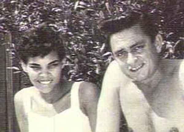 Young Johnny Cash And Vivian Interracial relationsh...
